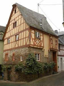 Fachwerkhaus  Anno 1628 - Ediger-Eller - House