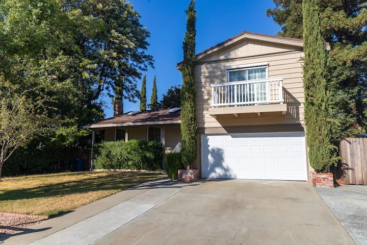 ★ Spacious 3-Bedroom in Walnut Creek ★