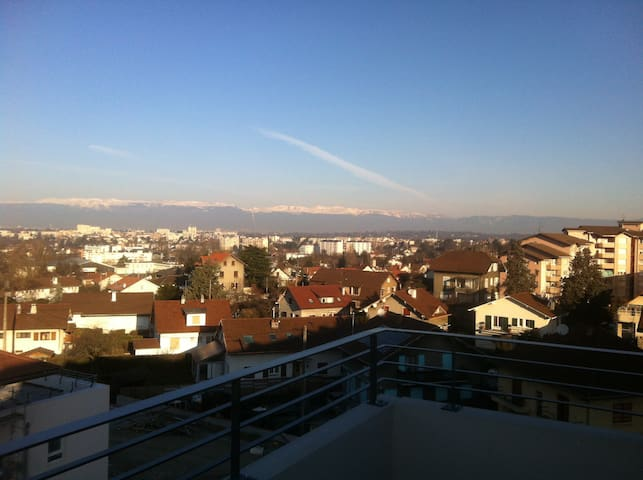 Penthouse with view on Geneva. - Annemasse - Daire