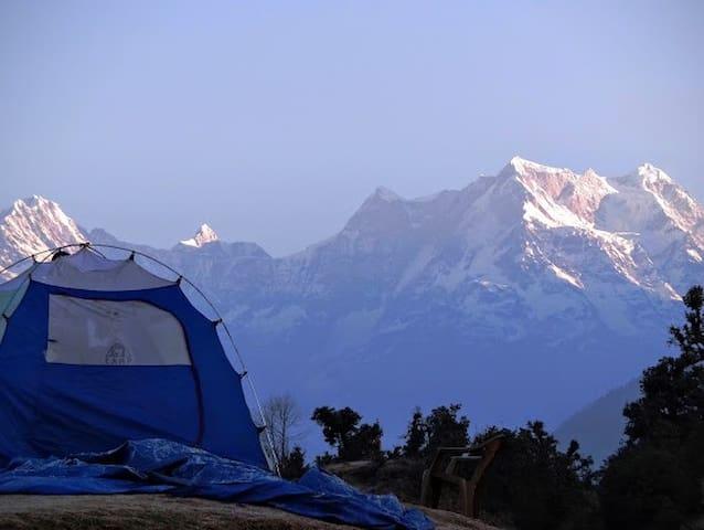 Deoriatal Camp: MHETCLUB com Eco Tents near Chopta