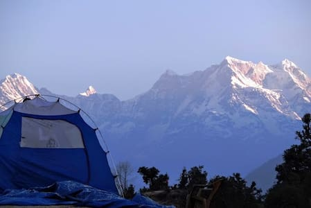 Deoriatal Camp: MHETCLUB com Eco Tents near Chopta