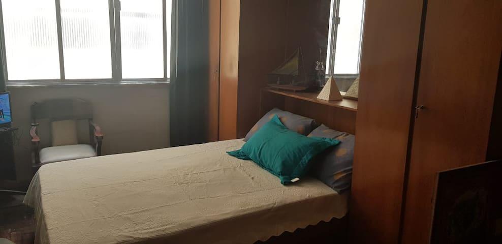 Kitnet retrô moderno na cidade dormitório!