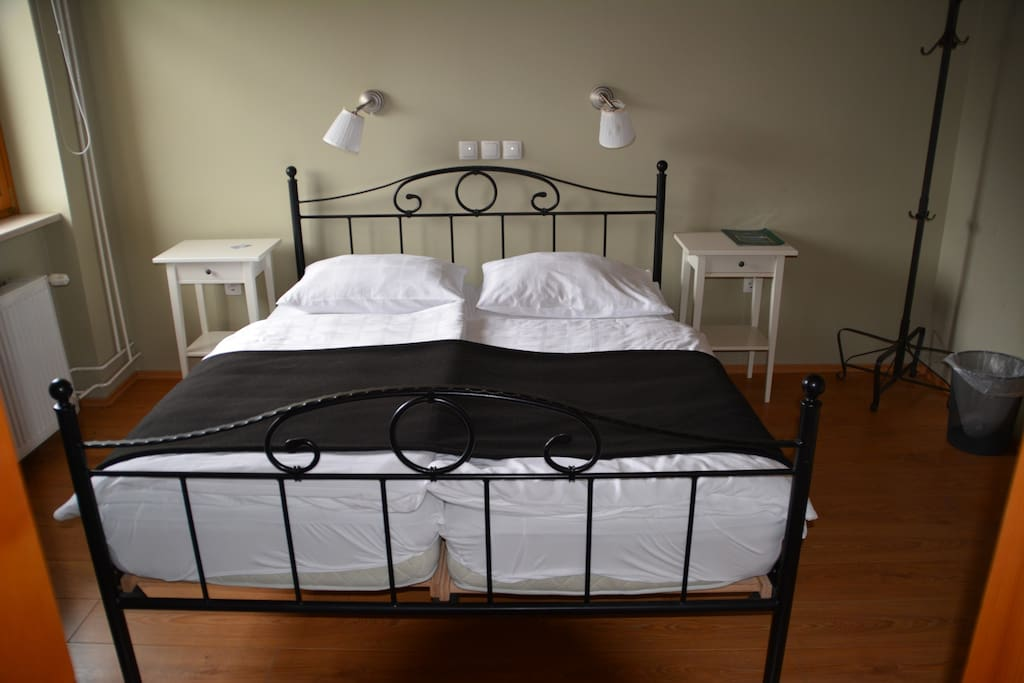 Double bed in Family room