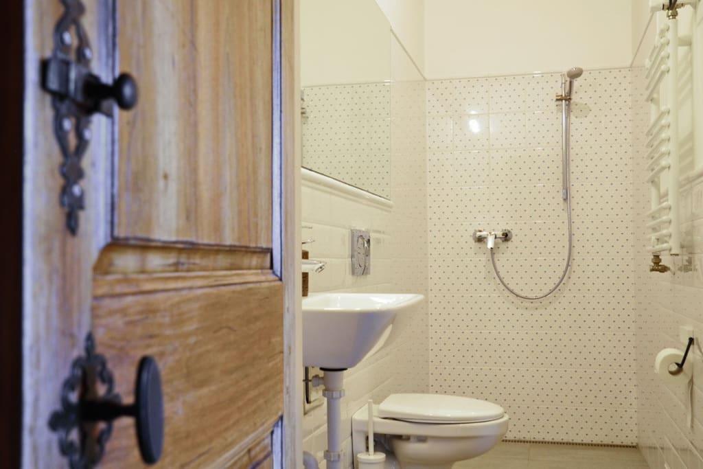 Fürdőszoba-Bathroom