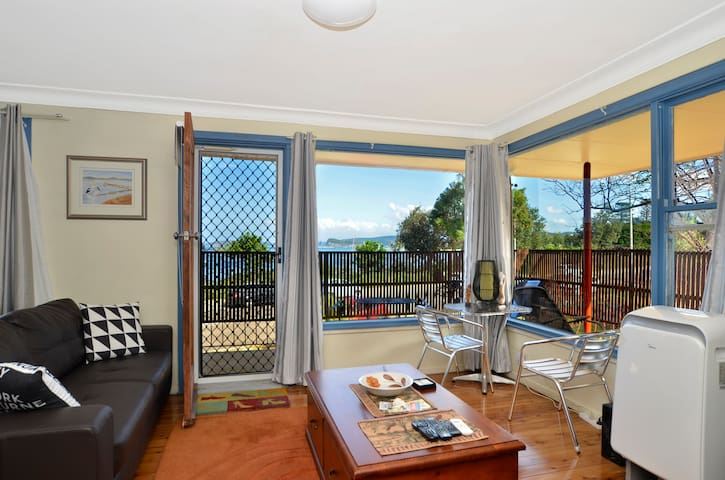 The Ettalong Beach Waterfront Retreat - Ettalong Beach - Daire