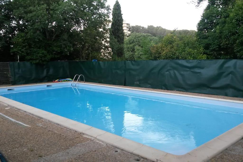Studio dans r sidence avec piscine appartements en for Camping en languedoc roussillon avec piscine
