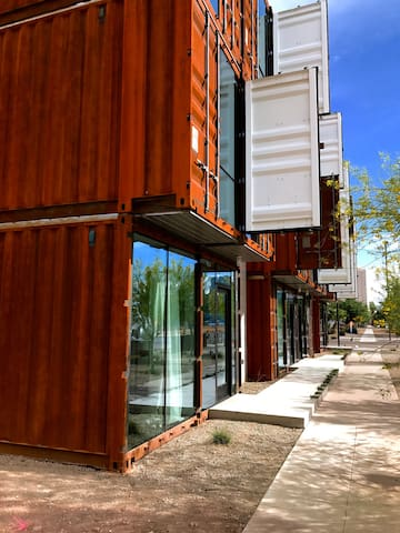 Chic 1BR in Converted Shipping Container (#103) - Phoenix - Apartment