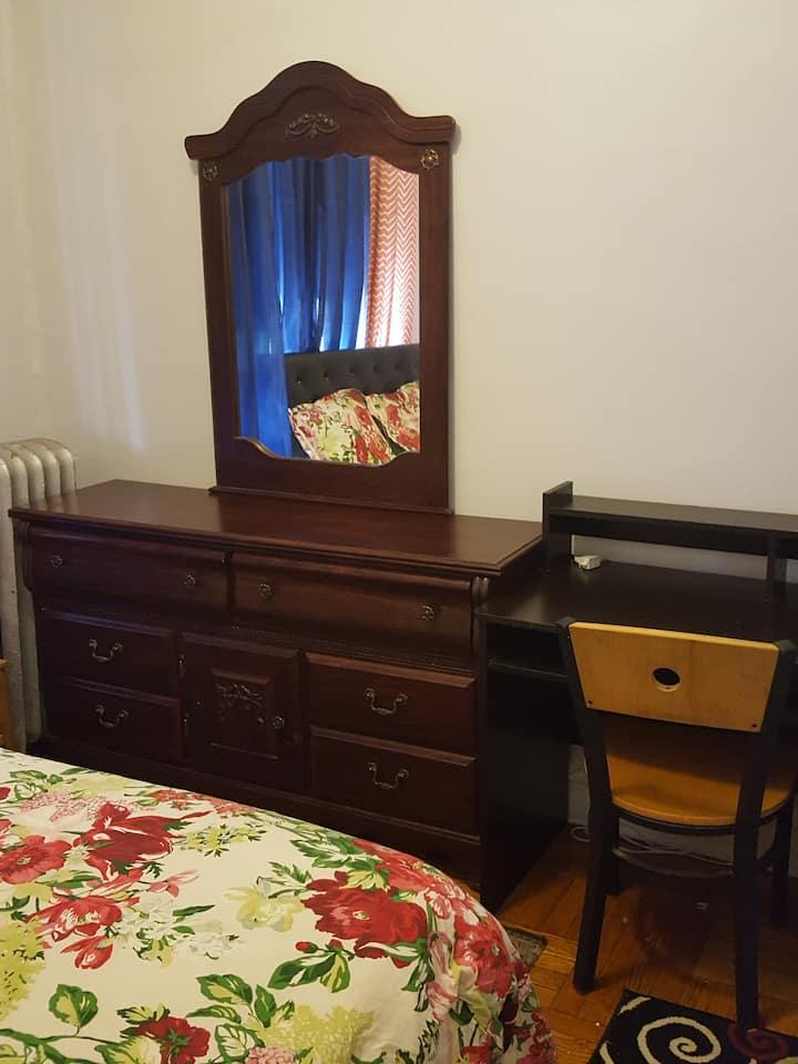 Cozy private  Bedroom near Brooklyn Hospitals U1