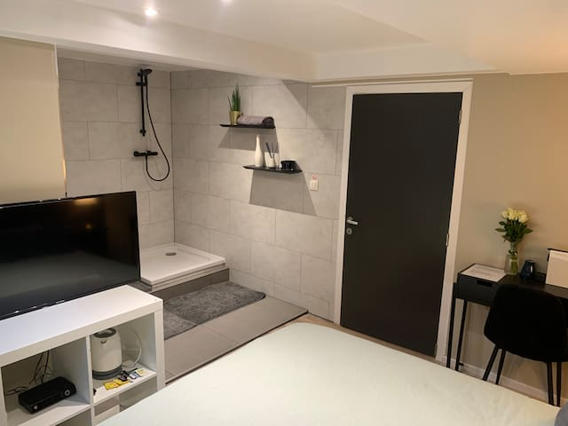 Private double room with bathroom