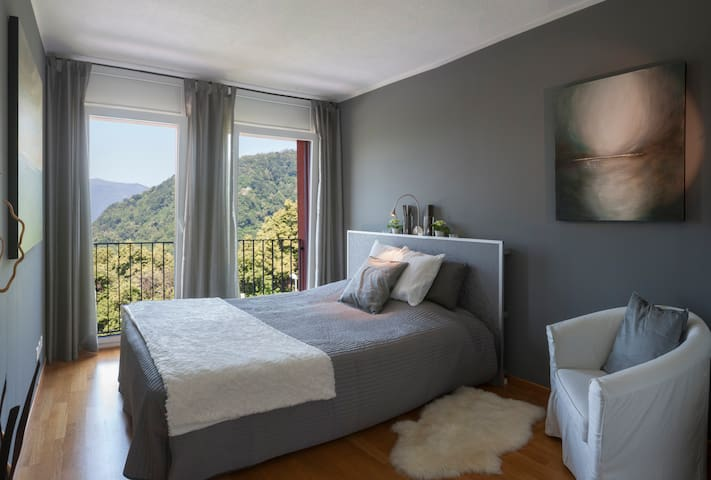 La Dolce Vita - Lake Lugano  Room 2 - Rovio - Bed & Breakfast