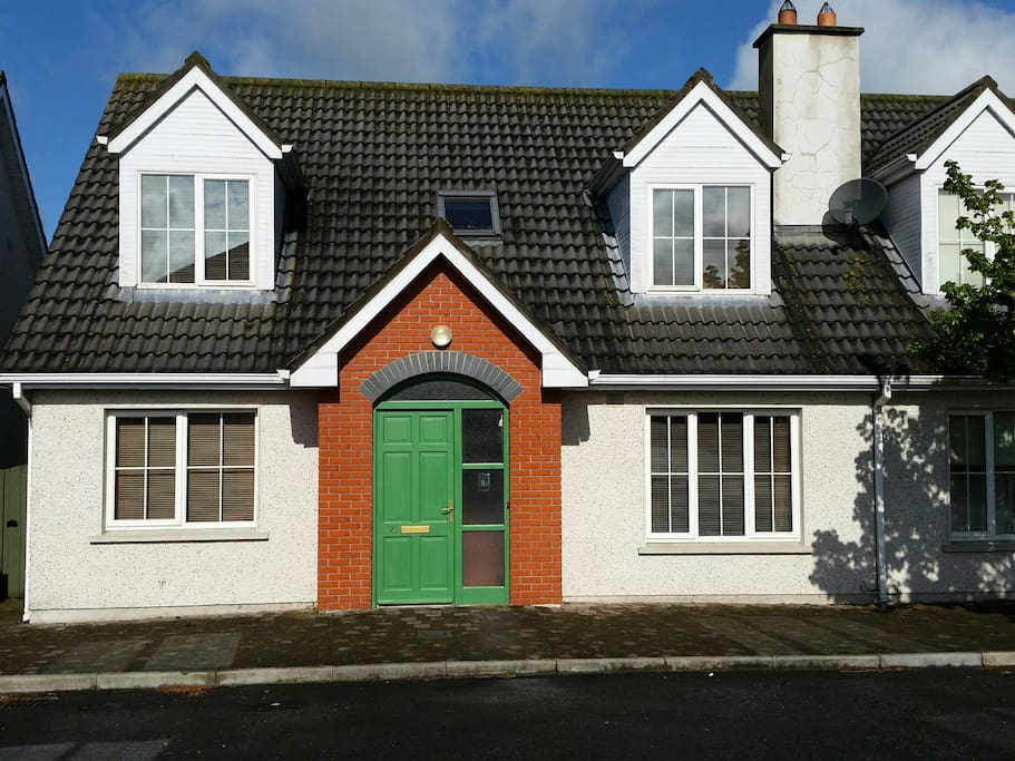 charming dormer bungalow h user zur miete in bennettsbridge kilkenny irland. Black Bedroom Furniture Sets. Home Design Ideas