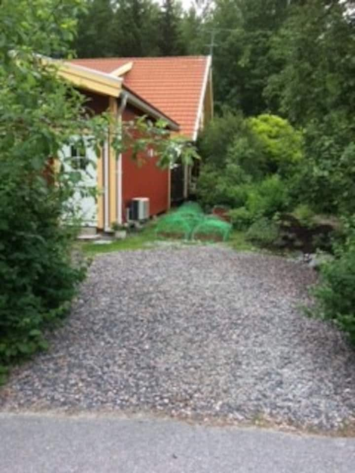 Cottage close to lake, forest and Stockholm city