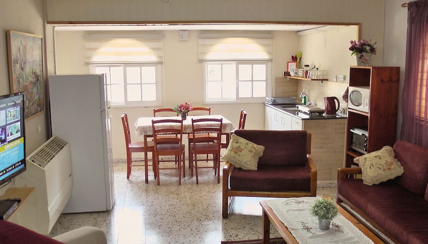 Jordan Valley vacation apartment  - Menahemia - Talo