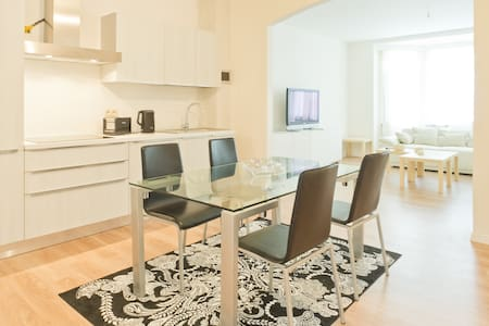 Confortab 2 bedroom flat 80 sqm + Free parking - Saint-Josse-ten-Noode