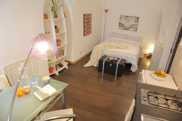 Casa Torre Ibernia - Tina Apartment - Cisternino - Apartment