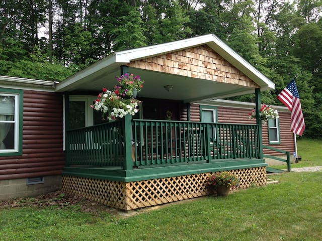 Bobcat Cabin - Hocking Hills Ohio - Nelsonville