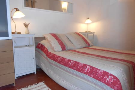 Old Town Antibes tranquil apartment