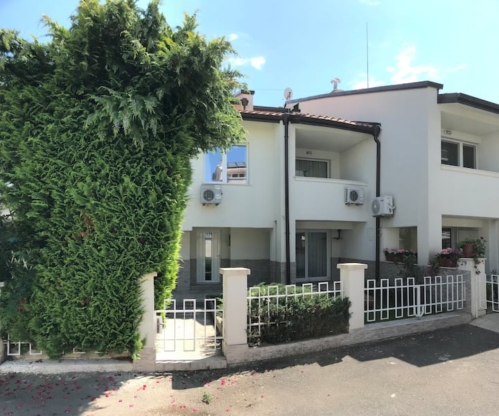 SAINT VLAS HOUSE /SINEVA /150M FAR FROM THE BEACH/