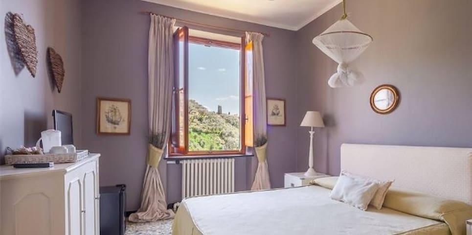 Bright Double Room sea view at B&BTreMariPortofino