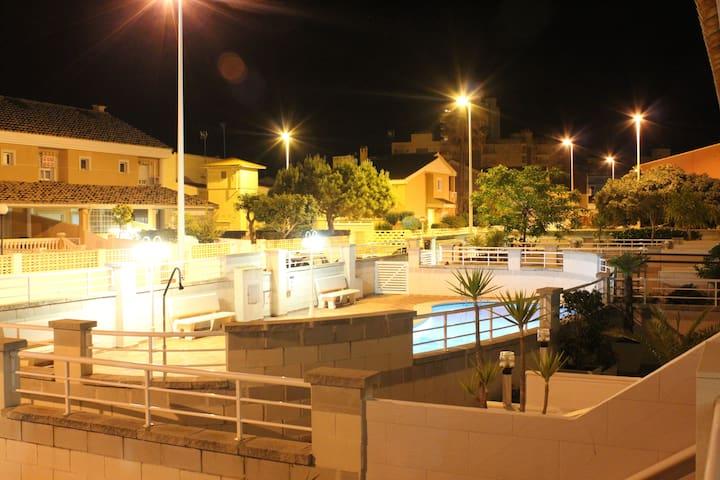 Bungalow a 100 Metros de la Playa - les Palmeres, Sueca - Bungalo