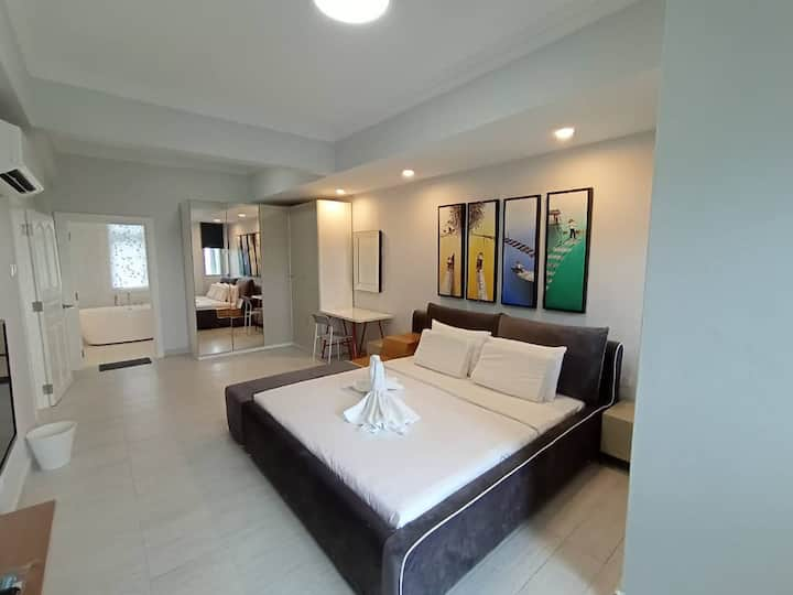 Luxury Penthouse @ Bayu Angkasa by 49Lodge