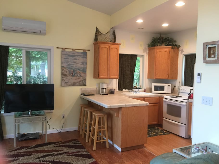 Full kitchen with everything you need. 42 inch Tv. Air Conditioning and heat. Works Great
