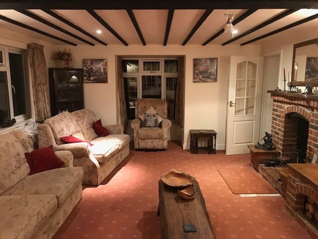 Double room in cottage near Wimborne and beaches