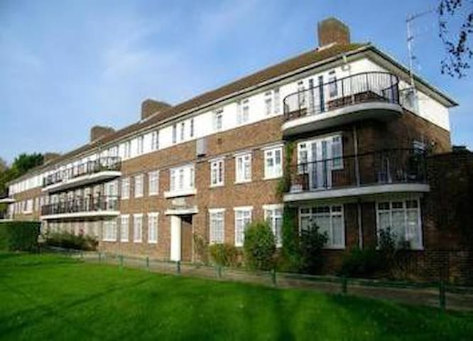 Oakwood flat - Londen - Bed & Breakfast