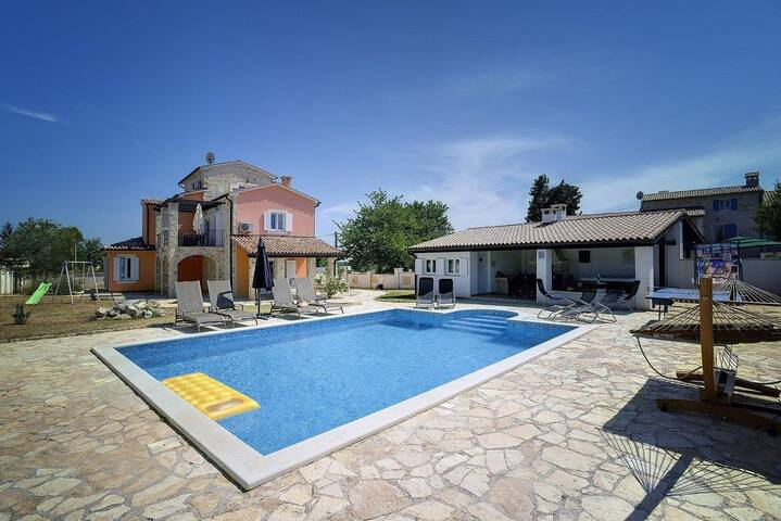 House Villa Juliana (73999-K1)