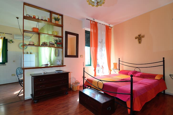 Orange House-inner city of Taormina - Taormina - Apartmen
