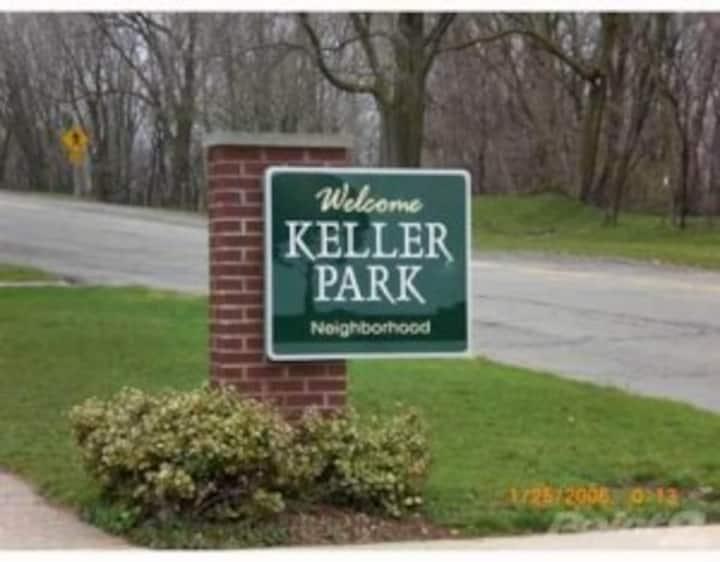 Keller Park, 7 min drive to Notre Dame & Memorial