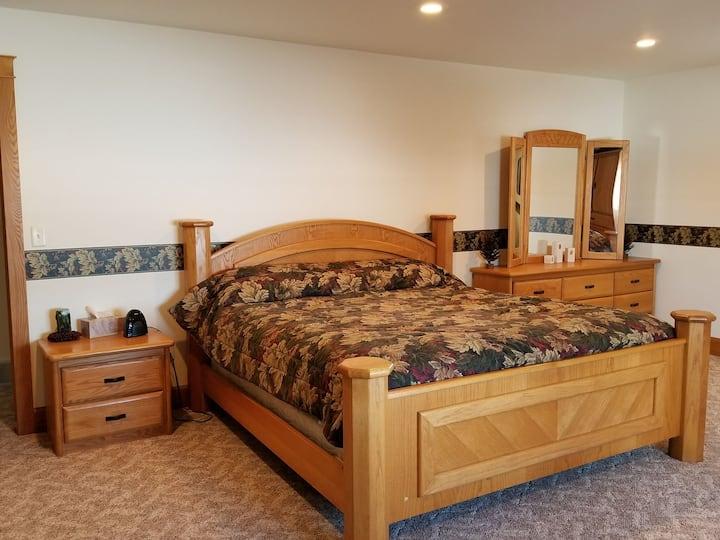 Northwoods Elk Room on Ranch