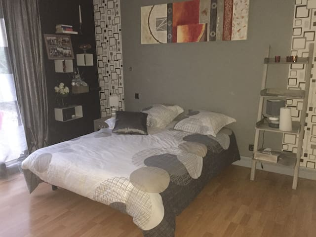1 bedroom for 24hours Le Mans - Saint-Mars-la-Brière - Casa