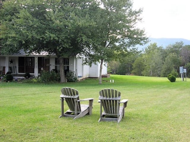 Beautiful Plainfields Cottage en-route to Wineries - Charlottesville - Chalet