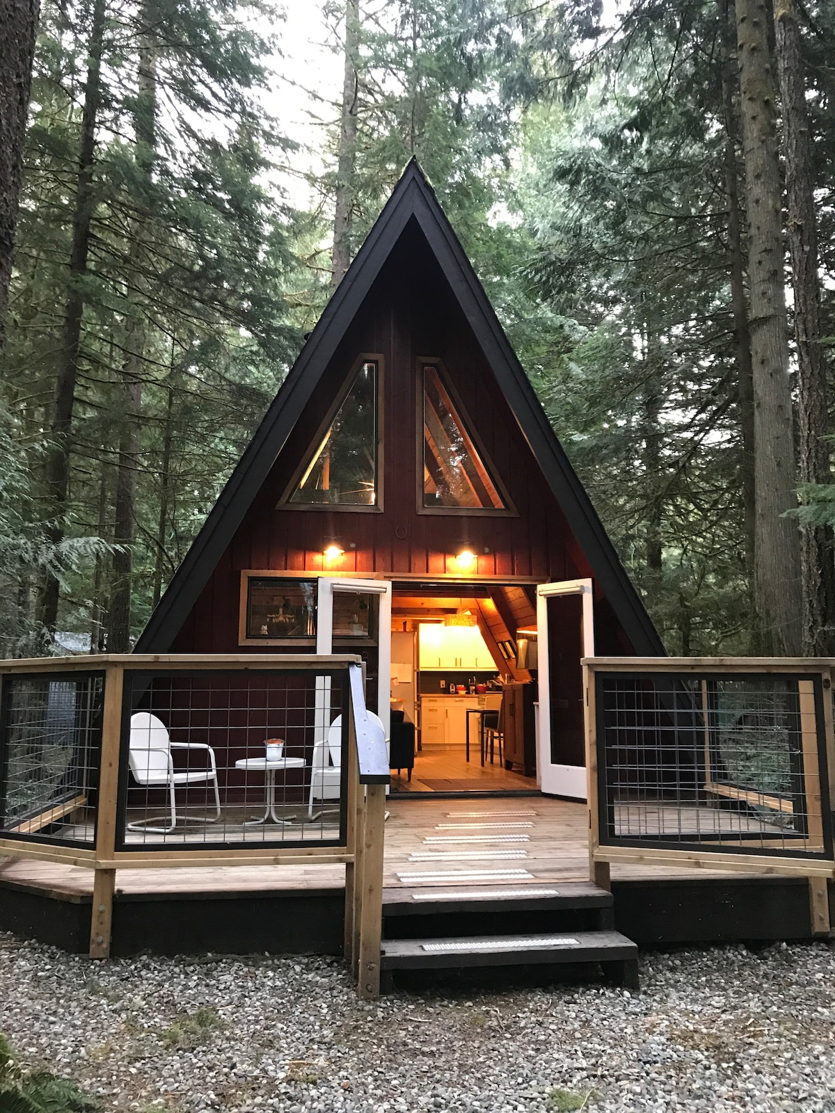 where to stay near mt baker