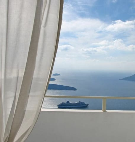 Apartment with Loft & Caldera view Irida Santorini