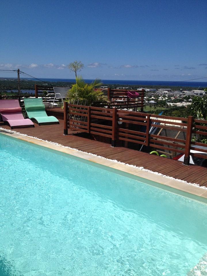 Villa de charme, piscine privative tres belle vue