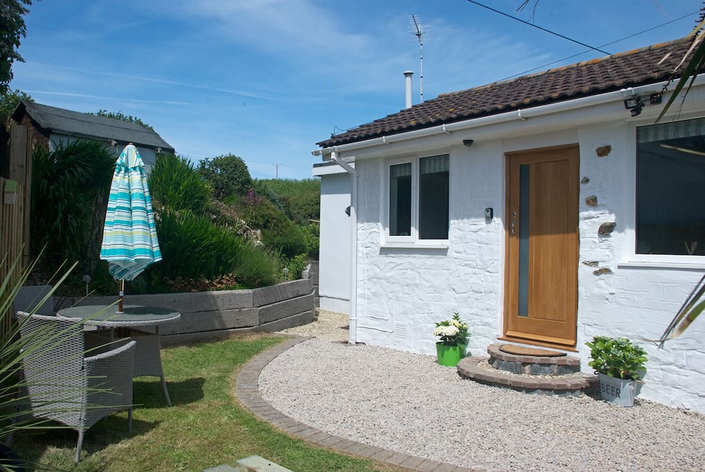 Detached cottage, close to Porth beach and Watergate Bay.