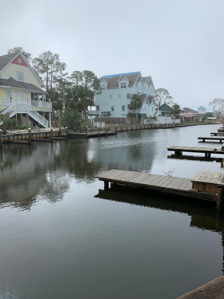 Waterfront-BoatSlip-Heart of Gulf Shores