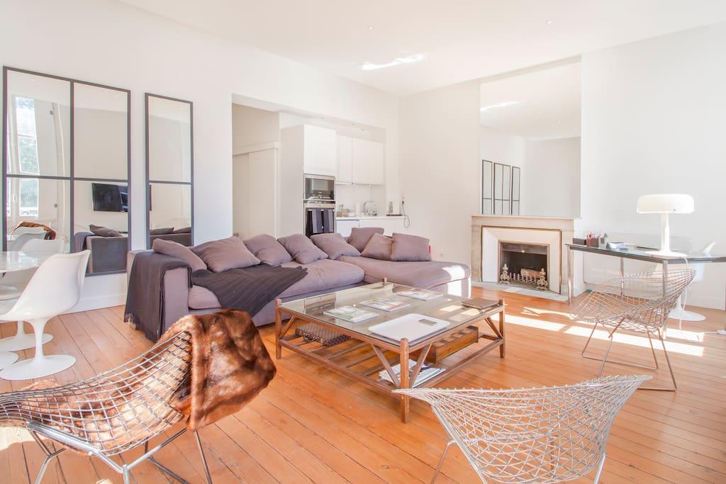 Tr s bel appartement place gambetta appartements louer for Appartement bordeaux louer