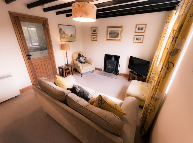 Bijoux country cottage cozy and welcoming