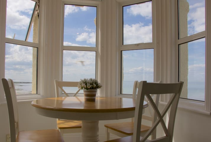 Sea view Victorian penthouse