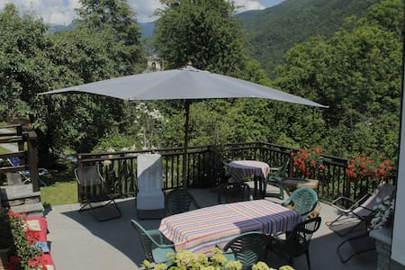Le Lunelle, sourraunded by the Alps - Mezzenile - Casa