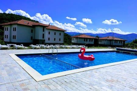 Villa Apriltsi