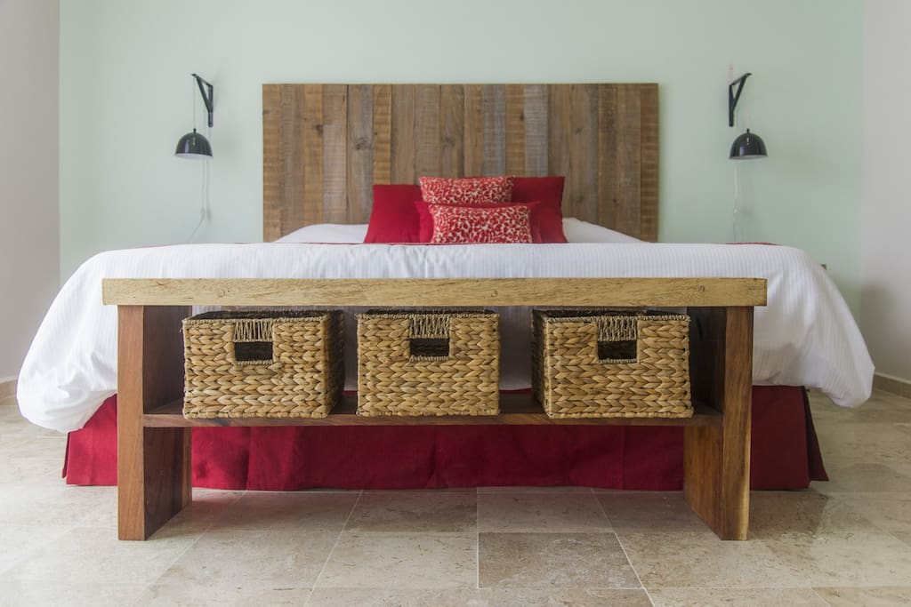 Junior suites feature a King size bed.