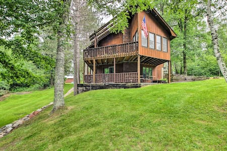 3BR+ Waterfront Fifty Lakes Home w/ Dock & Kayaks!