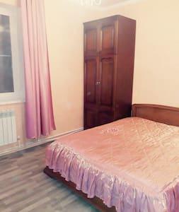 Прекрасная, уютная комната в коттеджном доме