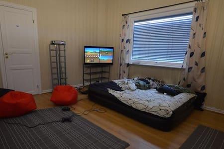 Halvorsen hjemme selskapslokalet - Mjøndalen - Lägenhet