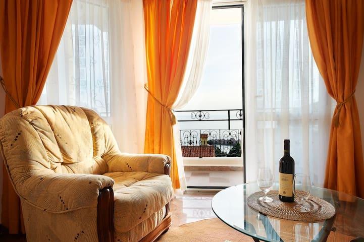 "Апартамент ""Оранж"" на вилле Круна - Sveti Stefan - Apartment"