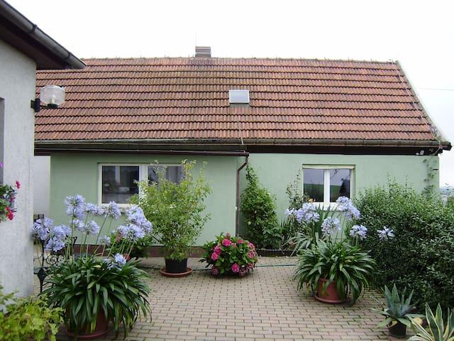 """Ferienwohnung """"Landblick"""" - Bucha - Casa de vacaciones"""